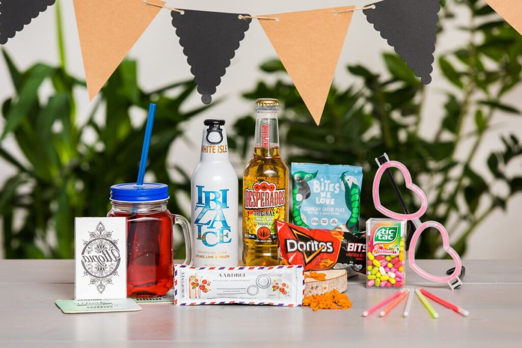 festival-party-box-extra-fun-festivalpakket-zomerpakket-zomerbox-zomercadeau-personeelsgeschenk.jpg