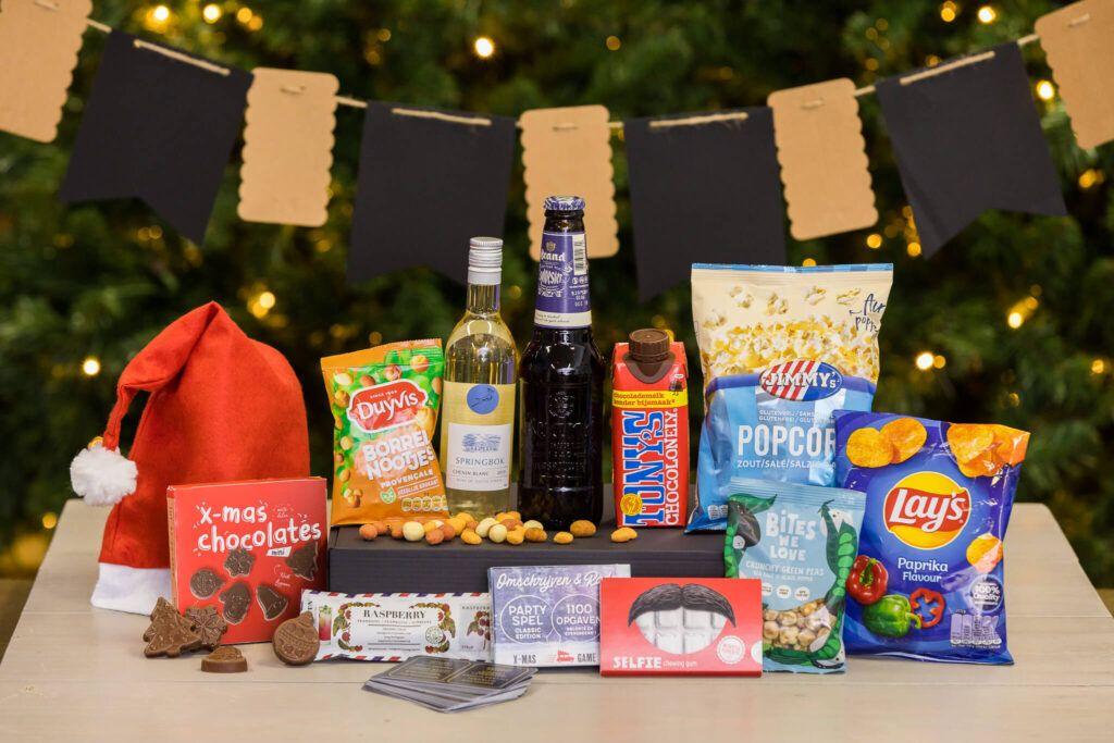 x-mas-borrelbox-large-kerstborrel-box-borrelboxen-borrelpakketten-kerst-online-event-kerstevent-kerstbijeenkomst-versturen