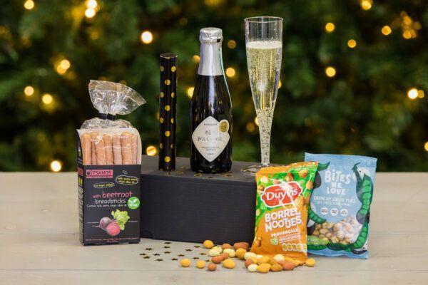 Online-nieuwjaarsreceptie-nieuwjaarsborrel-nieuwjaarsbijeenkomst-kerstborrel-borrelbox-proostbox-champagnebox-proseccobox-cavabox-partybox-feestbox