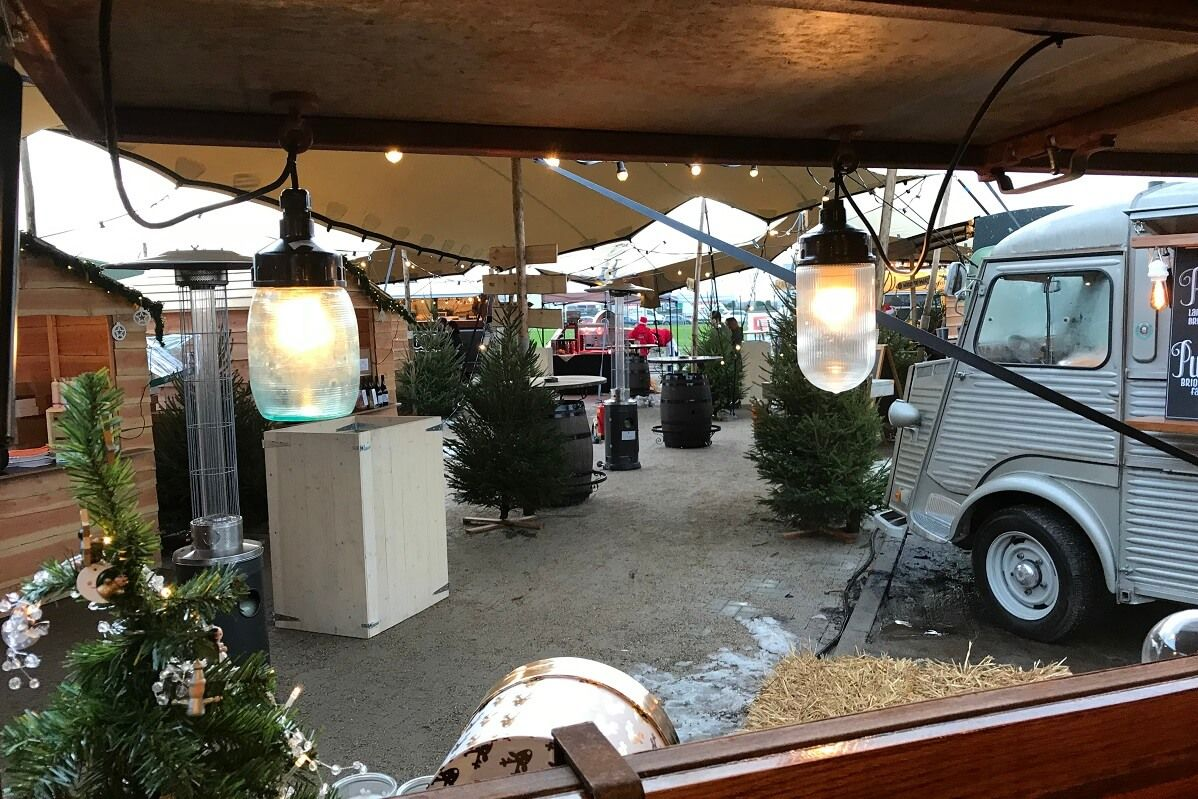 live-kerstmarkt-3-kerstkraampjes-kersthuisjes-kerstevent