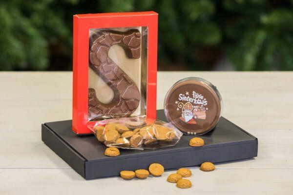 sinterklaas-boxen-surprise-box-fun-sinterklaaskado-sinterklaasgeschenk-brievenbuscadeau-chocoladeletter