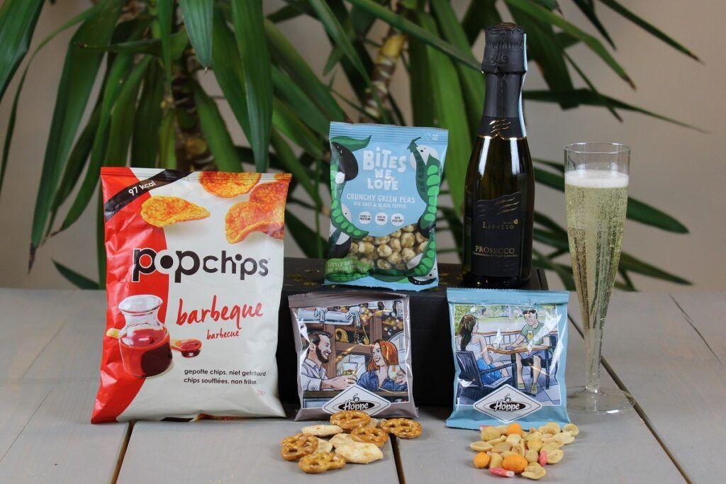 Online nieuwjaarborrelbox - proostbox - champagnebox - online event - nieuwjaarsbijeenkomst-nieuwjaarssparty-nieuwjaarsborrel