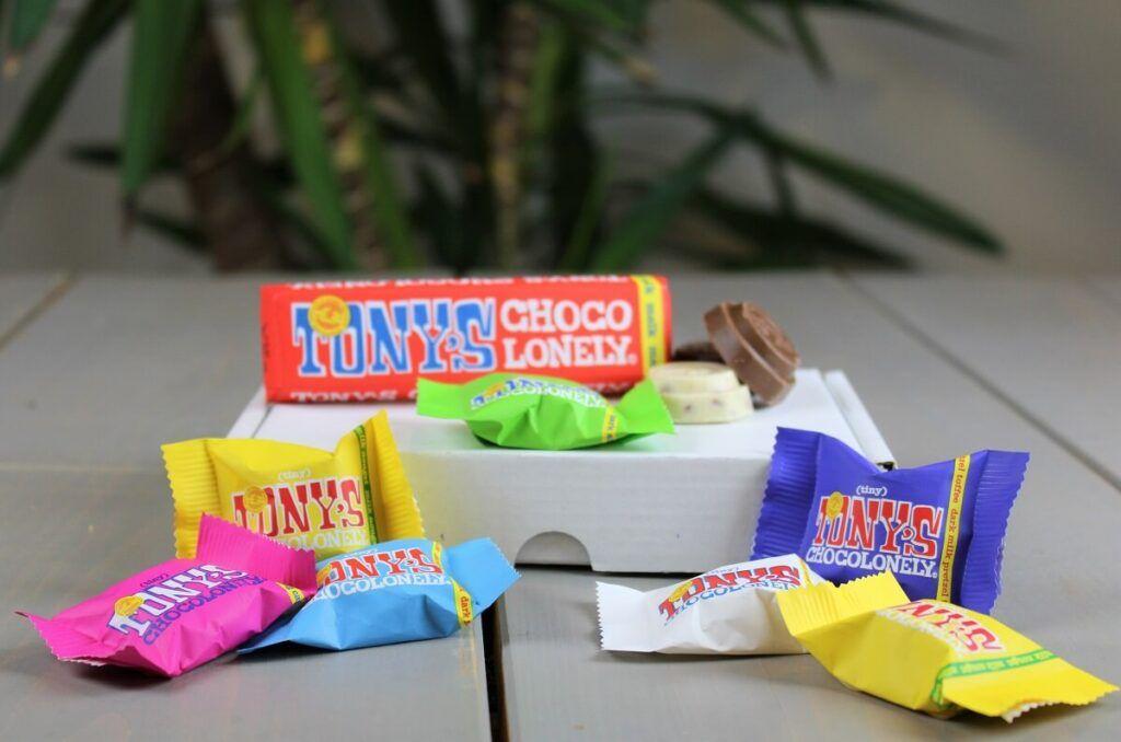 chocolate-happiness-box-Event-at-home-box-chocoladebox-online-event-chocoladegift-kado-cadeau-geschenk-tonychocolonely-minichocolades