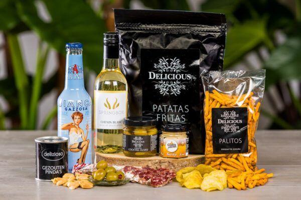 luxe-borrelbox-large-wijn-en-frisdrank-borrelpakket-online-event-geschenk