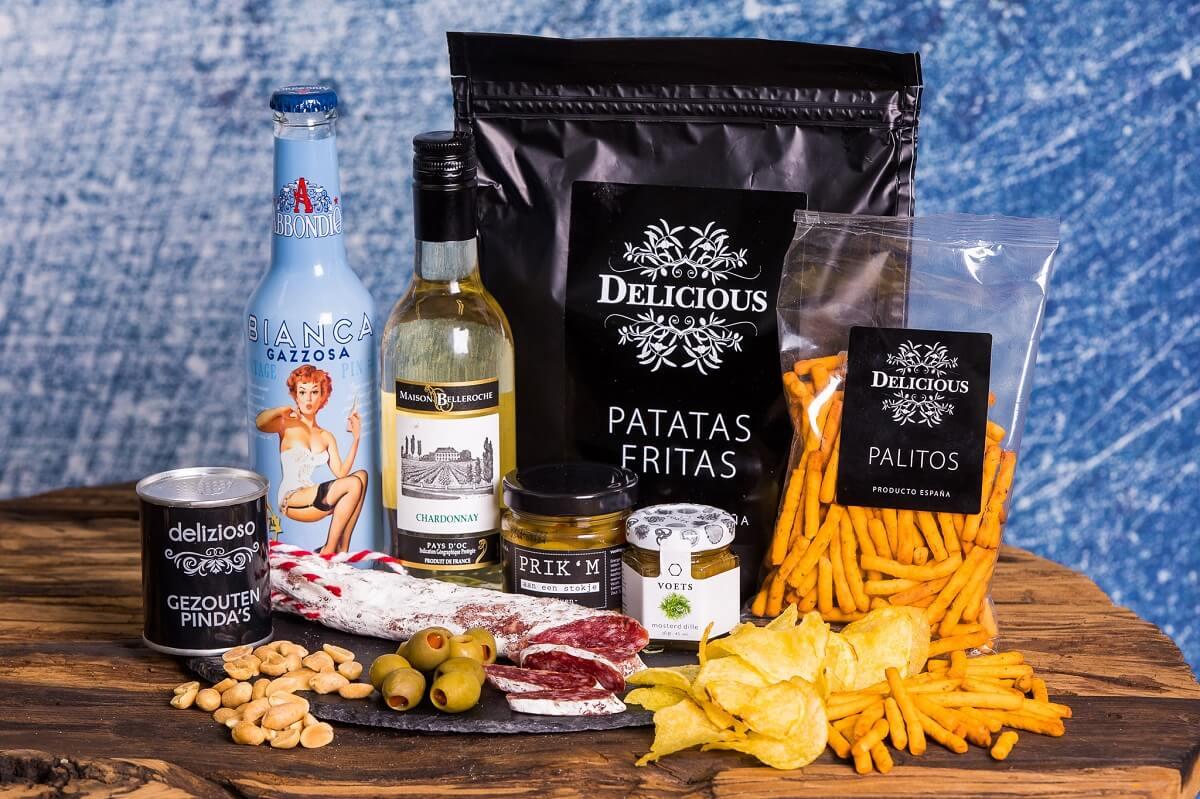 luxe-borrelbox-large-wijn-en-frisdrank-borrelpakket-online-borrel-event-bestellen-wijnpakket-bijzonder-luxe-borrelboxen-en-pakketten
